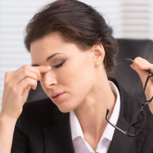 Presbicia, síntomas y tratamientos